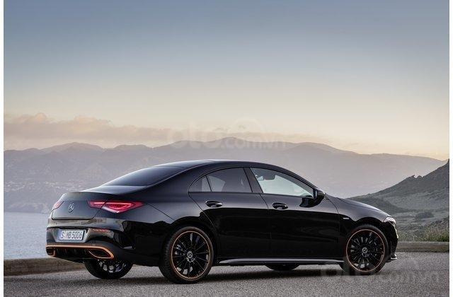 Thân xe Mercedes-Benz CLA-Class 2020