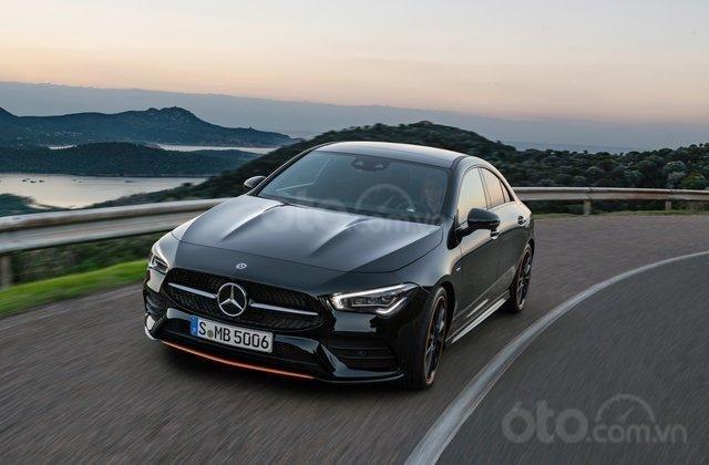 Đầu xe Mercedes-Benz CLA-Class