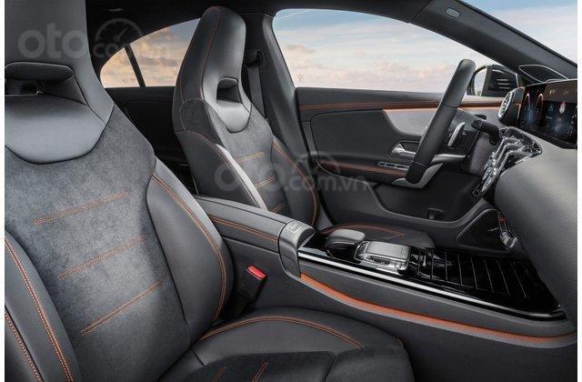 Ghế ngồi xe Mercedes-Benz CLA-Class 2020