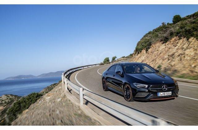 Thân xe Mercedes-Benz CLA-Class