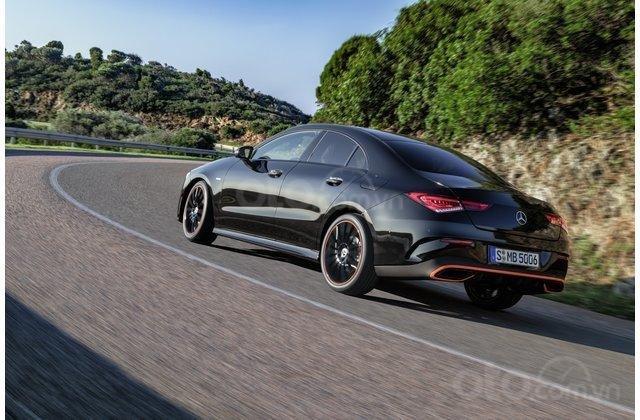 Đuôi xe Mercedes-Benz CLA-Class hoàn toàn mới