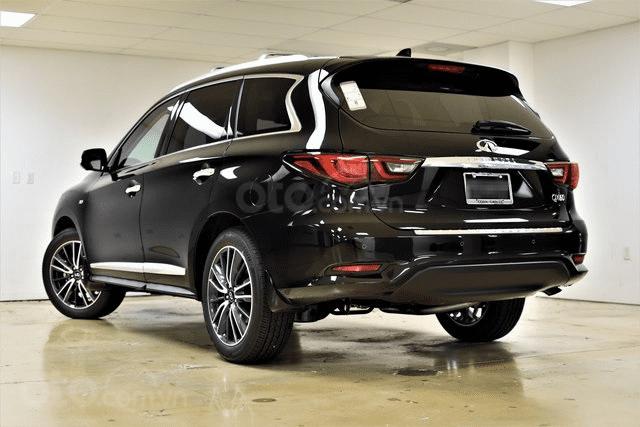 Đánh giá xe Infiniti QX60 2019 về đuôi xe - góc trái