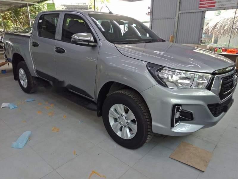 Cần bán xe Toyota Hilux 2.4G AT năm 2018, màu bạc, nhập khẩu, giá chỉ 695 triệu (4)