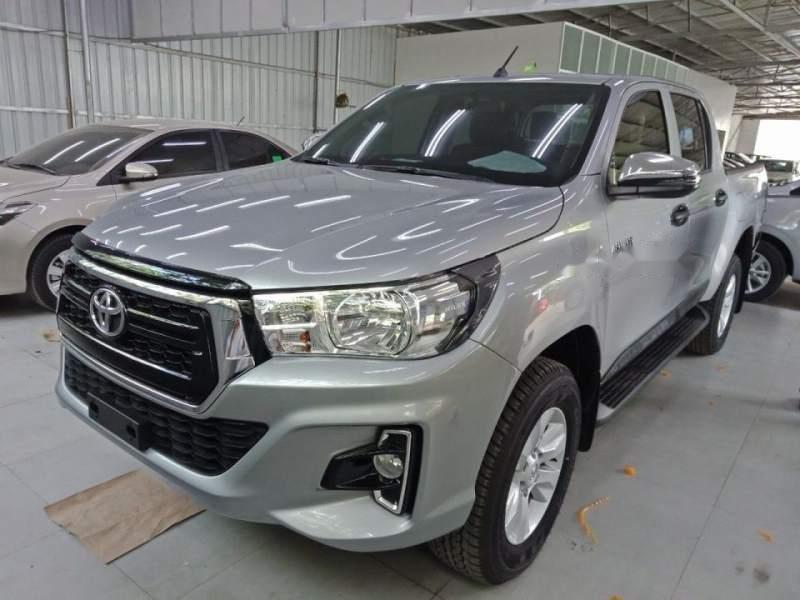 Cần bán xe Toyota Hilux 2.4G AT năm 2018, màu bạc, nhập khẩu, giá chỉ 695 triệu (1)