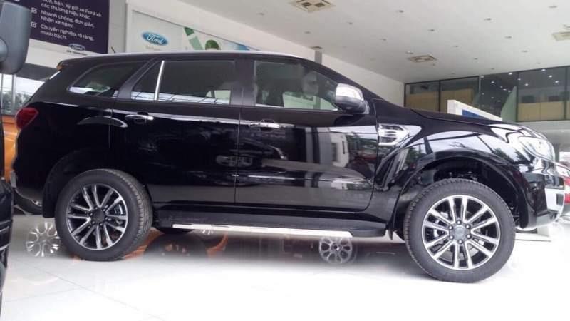 Cần bán xe Ford Everest năm sản xuất 2018, màu đen, nhập khẩu nguyên chiếc-1