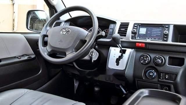 Bán ô tô Toyota Hiace năm sản xuất 2019, màu trắng, nhập khẩu nguyên chiếc-3