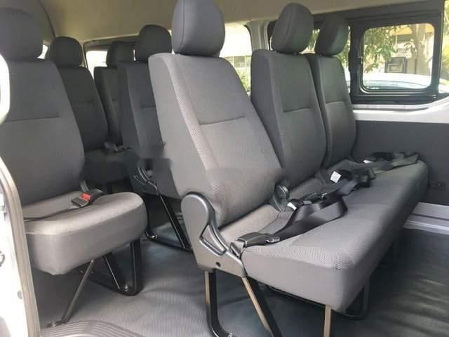 Bán ô tô Toyota Hiace năm sản xuất 2019, màu trắng, nhập khẩu nguyên chiếc-4