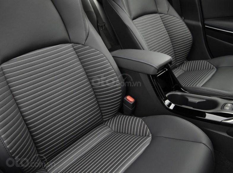 Đánh giá xe Toyota Corolla 2020 - ghế ngồi