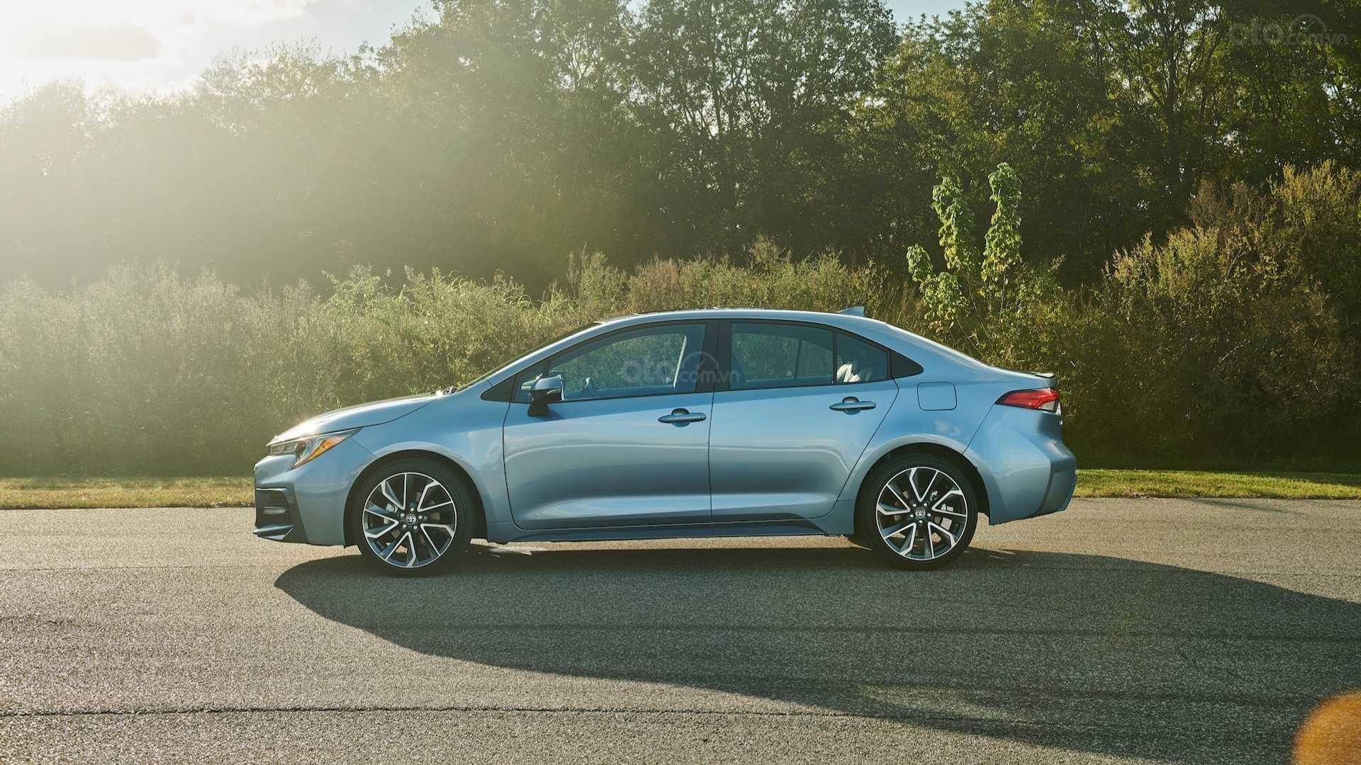 Đánh giá xe Toyota Corolla 2020