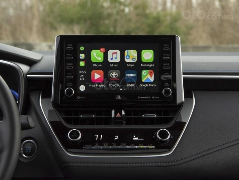Đánh giá xe Toyota Corolla 2020 - màn hình chính 2
