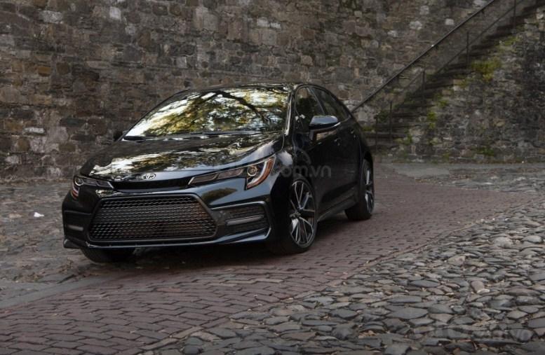 Đầu xe Toyota Corolla 2020