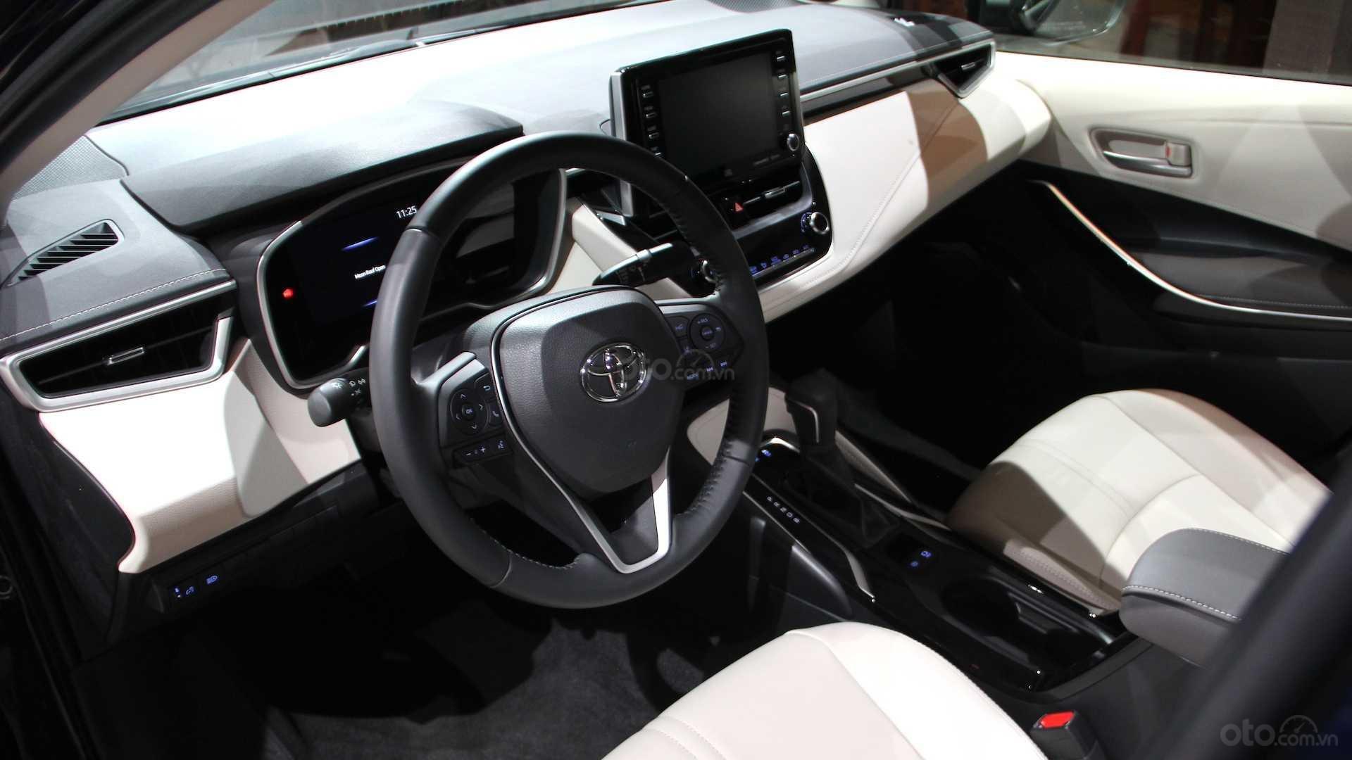 Đánh giá xe Toyota Corolla 2020 phần nội thất