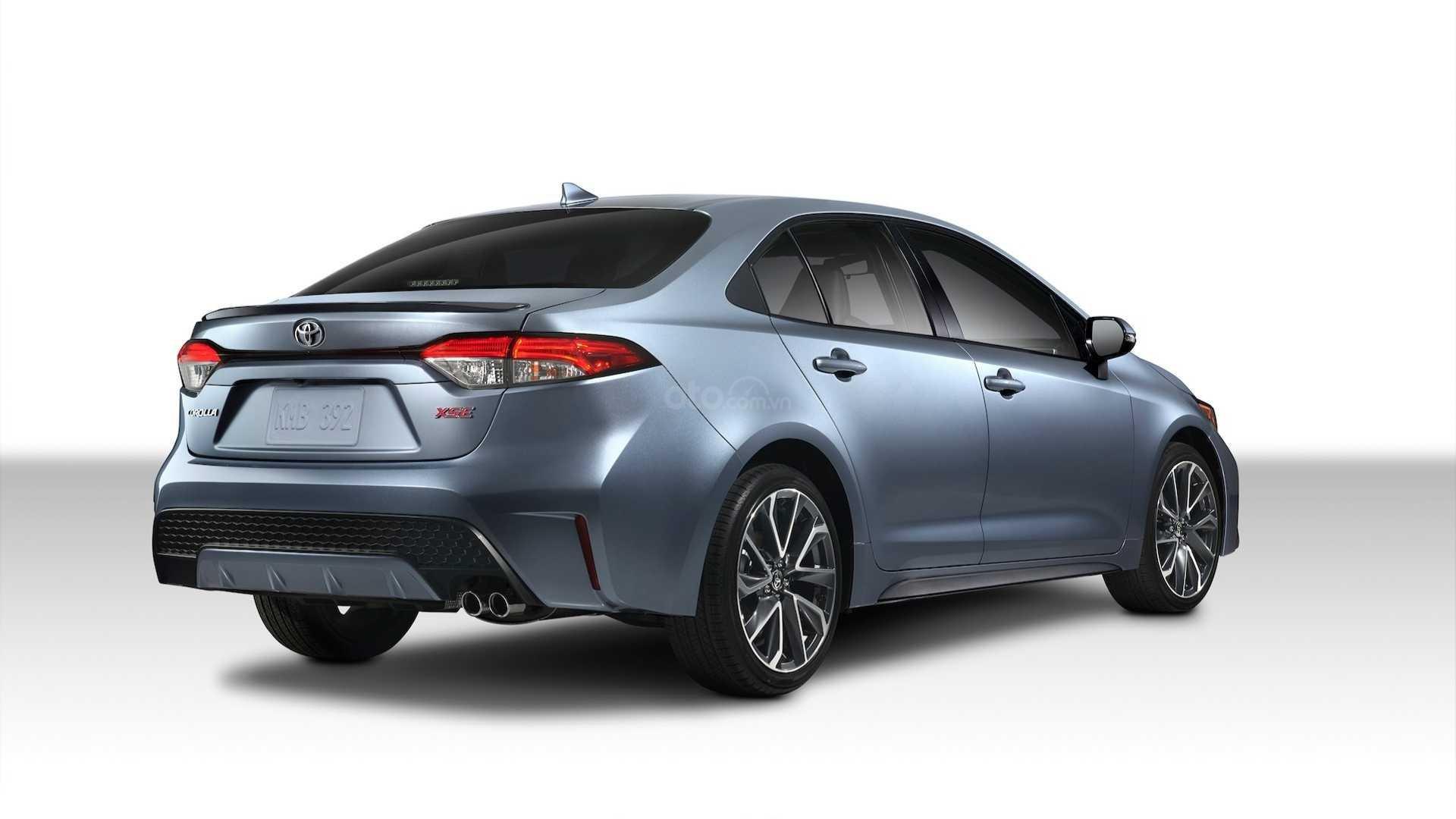 Góc 3/4 thân xe Toyota Corolla 2020 sedan