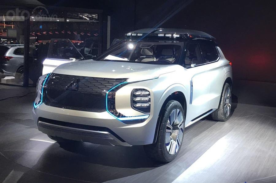 Mitsubishi Engelberg Tourer ra mắt triển lãm Geneva 2019...