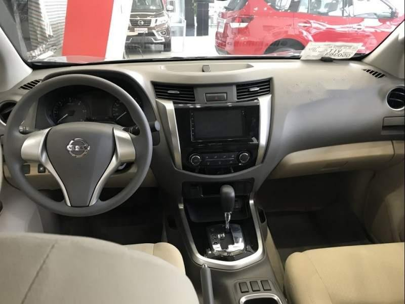 Bán ô tô Nissan Navara đời 2018, màu xám, xe nhập-1