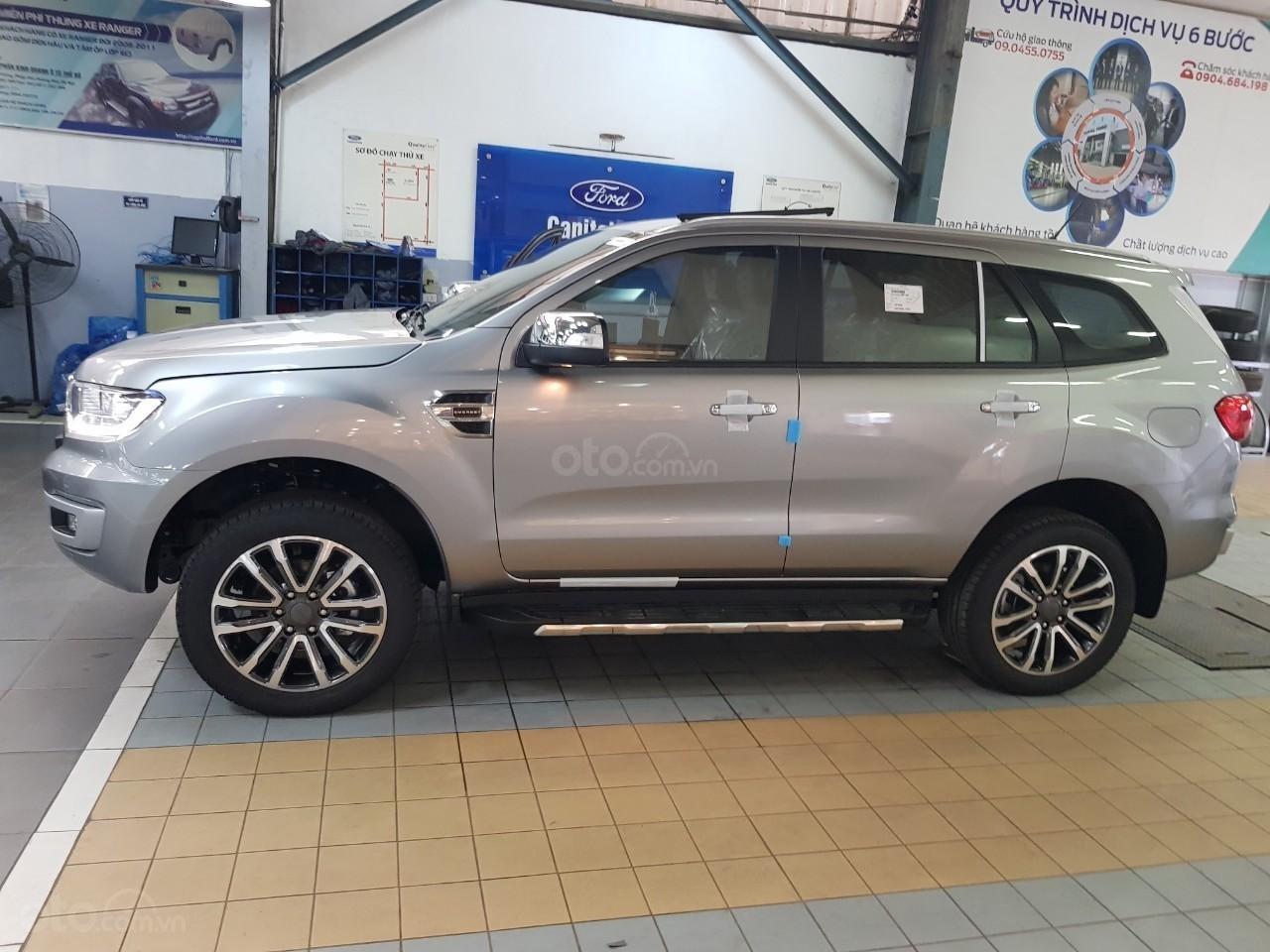 Ford Everest Titanium - KM 90 triệu tiền mặt, đủ màu giao ngay chỉ với từ 200 triệu Mr Trung: 0967664648 (2)