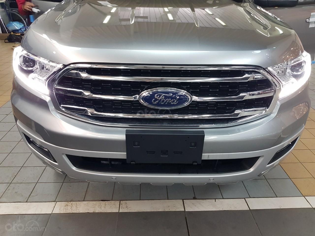 Ford Everest Titanium - KM 90 triệu tiền mặt, đủ màu giao ngay chỉ với từ 200 triệu Mr Trung: 0967664648 (4)
