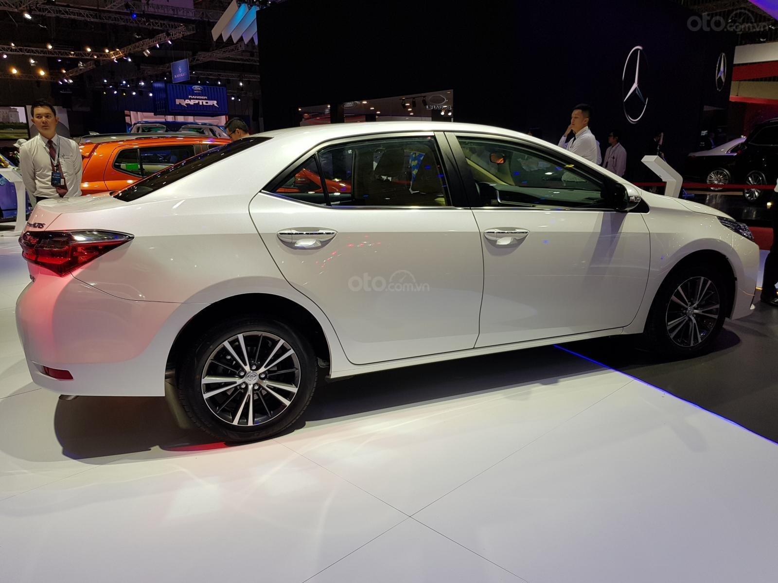 Bán Toyota Corolla Altis 1.8 G CVT 2019 - 751 triệu và gói quà tặng theo xe - Liên hệ 0902750051-2