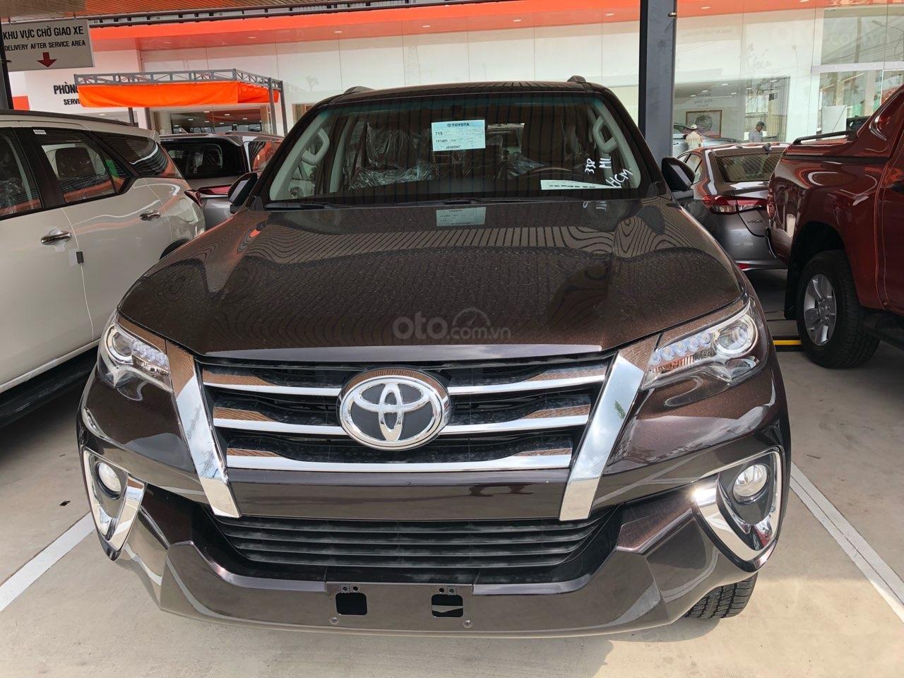Toyota Fortuner 2.8 AT (4X4) máy dầu, năm sản xuất 2019, màu đen, nhập khẩu nguyên chiếc-0