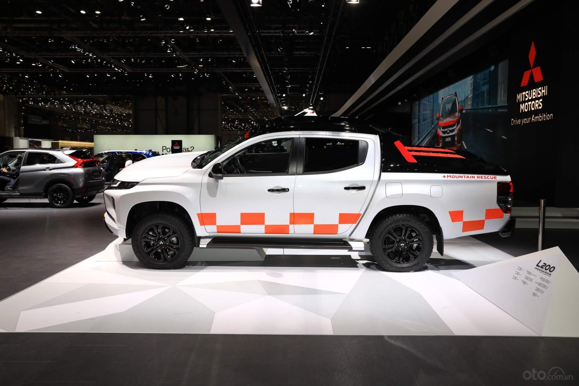 Mitsubishi Triton 2019 thân xe 2