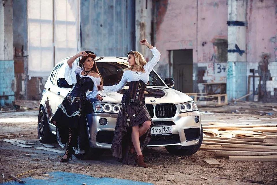 Ngày 8/3 các anh làm gì? Ngắm em xinh bên BMW X3 chứ làm gì!4aa