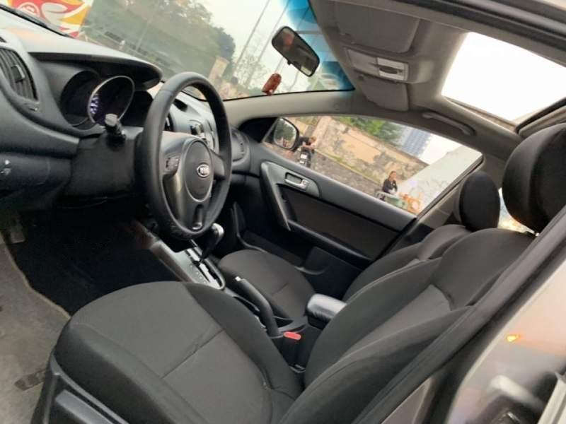 Bán ô tô Kia Cerato năm 2010, nhập khẩu, xe còn rất tốt, nội thất, thân vỏ còn đẹp-3