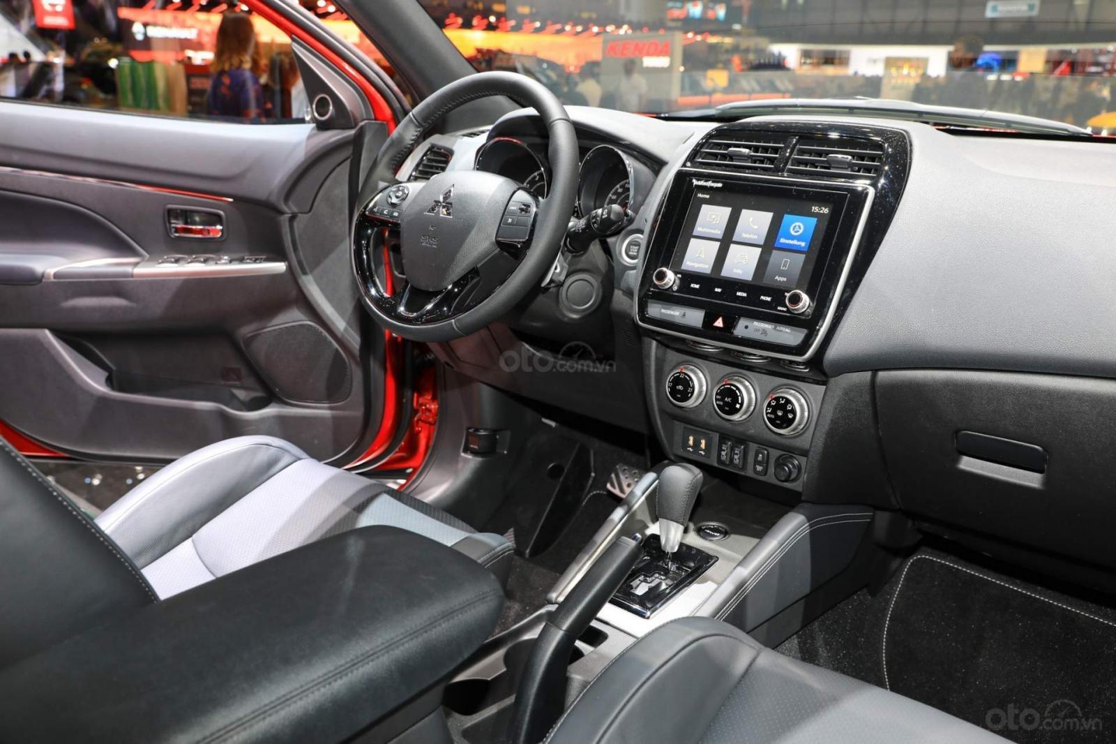 [Geneva 2019] Mitsubishi Outlander Sport 2020 cải tiến nội thất