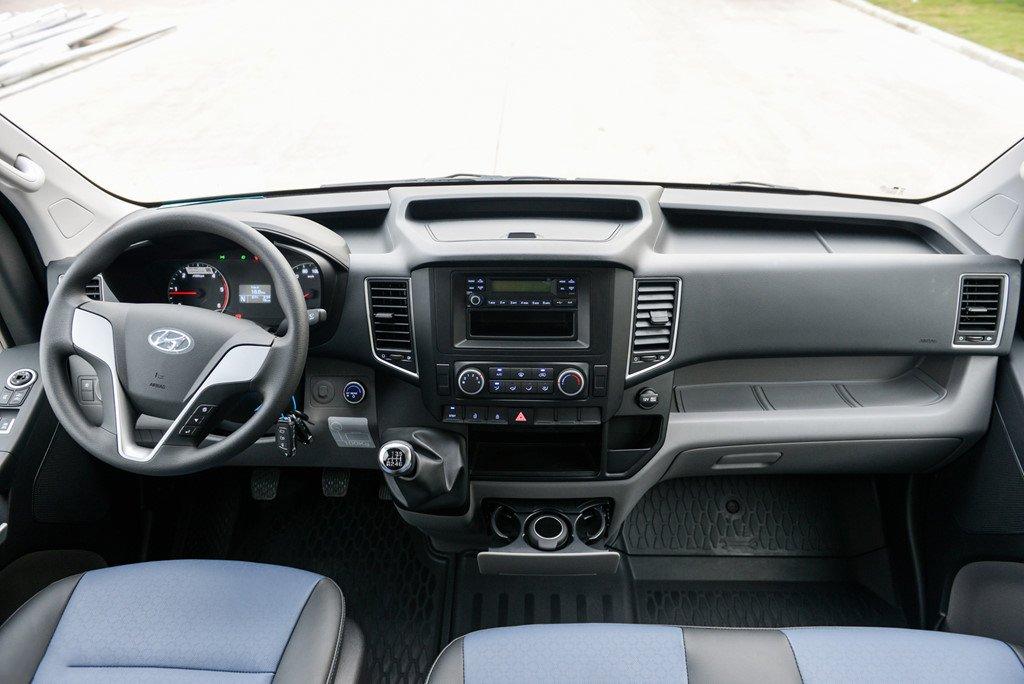 Hyundai Solati giảm giá 30 triệu đồng trong tháng 3/2019 tại Việt Nam a3