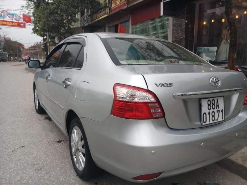 Cần bán gấp Toyota Vios E đời 2012, màu bạc, 1 chủ tù đầu-3