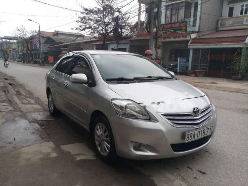 Cần bán gấp Toyota Vios E đời 2012, màu bạc, 1 chủ tù đầu-0