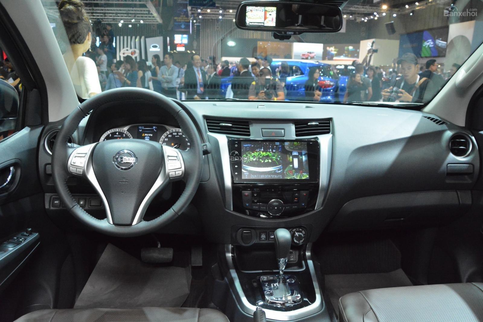 So sánh xe Chevrolet Trailblazer 2019 và Nissan Terra 2019 về nội thất 2
