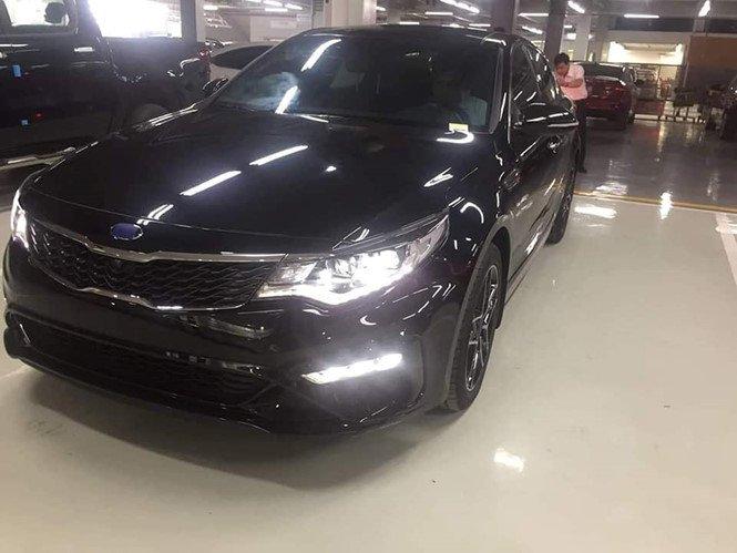 Kia Optima 2019 nâng cấp bị bắt gặp tại đại lý ở Việt Nam