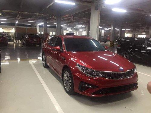 Kia Optima 2019 nâng cấp bị bắt gặp tại đại lý ở Việt Nam - Ảnh 2.