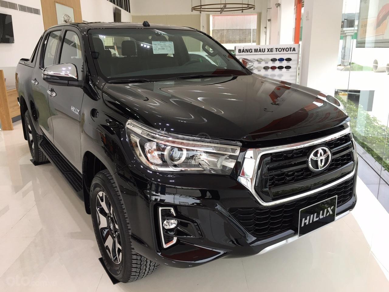 Bán Toyota Hilux 2 cầu - nhập Thái, ưu đãi cực kì hấp dẫn, hỗ trợ giao xe tận nơi-0