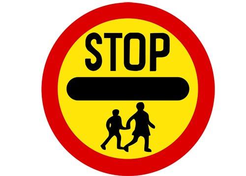 """(FUN) Ngoài ý nghĩa giao thông, những biển báo này còn được hiểu với những ý nghĩa """"khó đỡ""""7aa"""