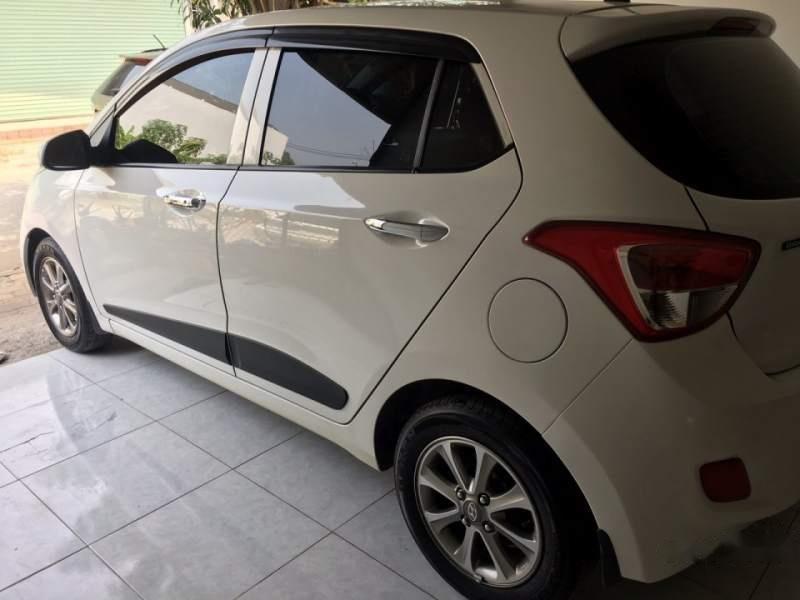 Cần bán lại xe Hyundai Grand i10 đời 2014, màu trắng, nhập khẩu còn mới, giá chỉ 359 triệu (3)