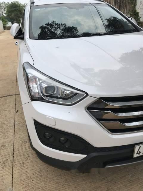 Cần bán xe Hyundai Santa Fe sản xuất năm 2015, màu trắng-2