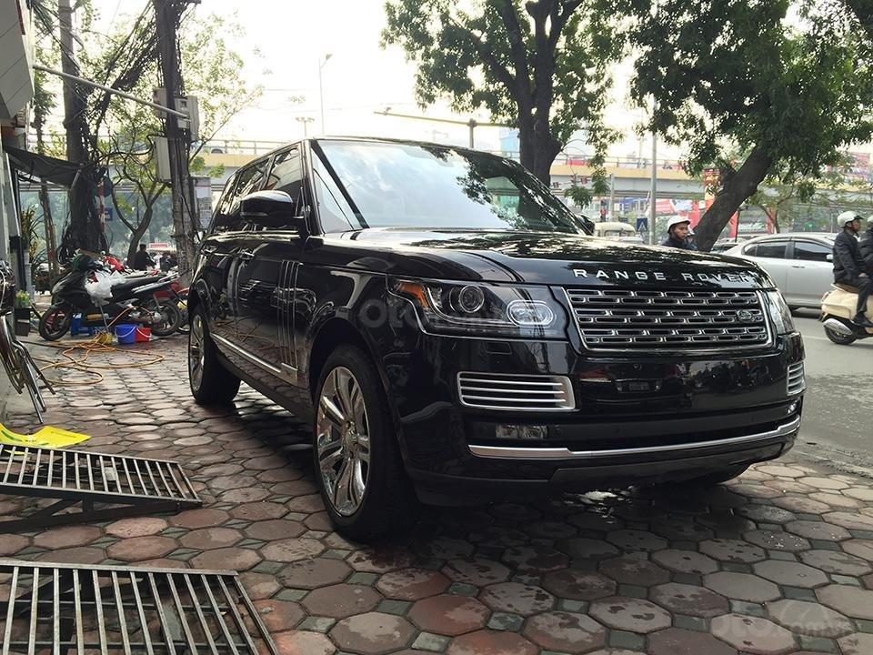 Cần bán xe Range Rover Autobiography LWB Black Edition 5.0 có 2 bàn làm việc, LH 093.798.2266-2