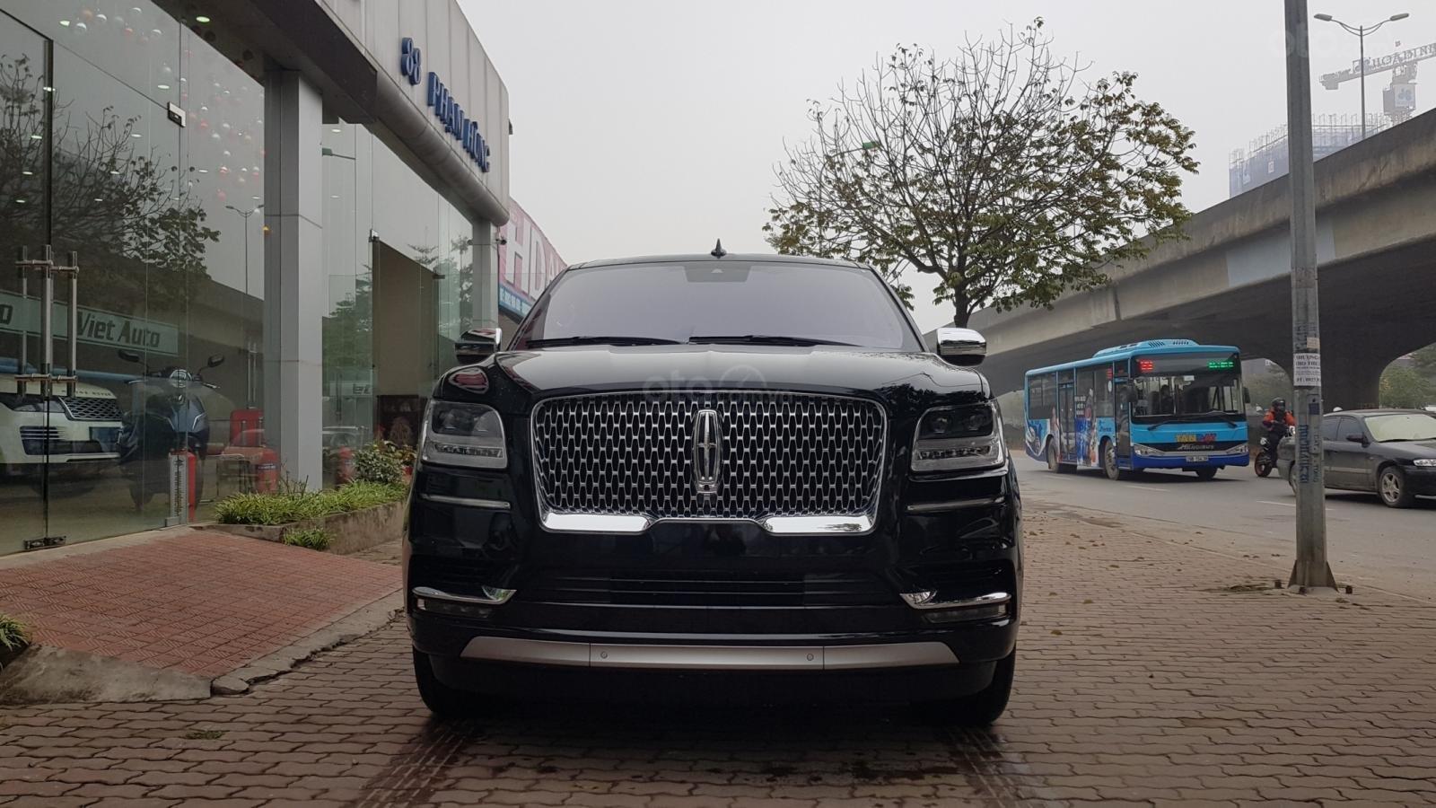Bán xe Lincoln Navigator L Black Label sản xuất năm 2019, màu đen, xe nhập-0