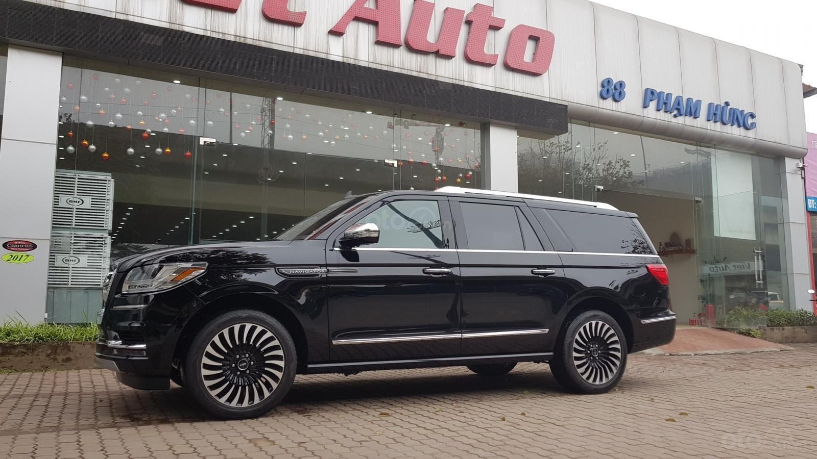 Bán xe Lincoln Navigator L Black Label sản xuất năm 2019, màu đen, xe nhập-2