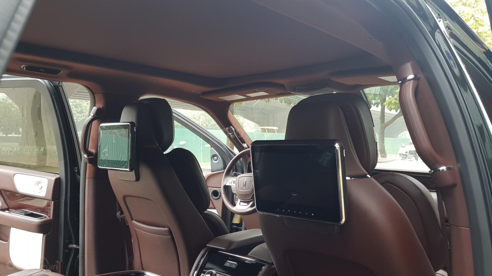 Bán xe Lincoln Navigator L Black Label sản xuất năm 2019, màu đen, xe nhập-12