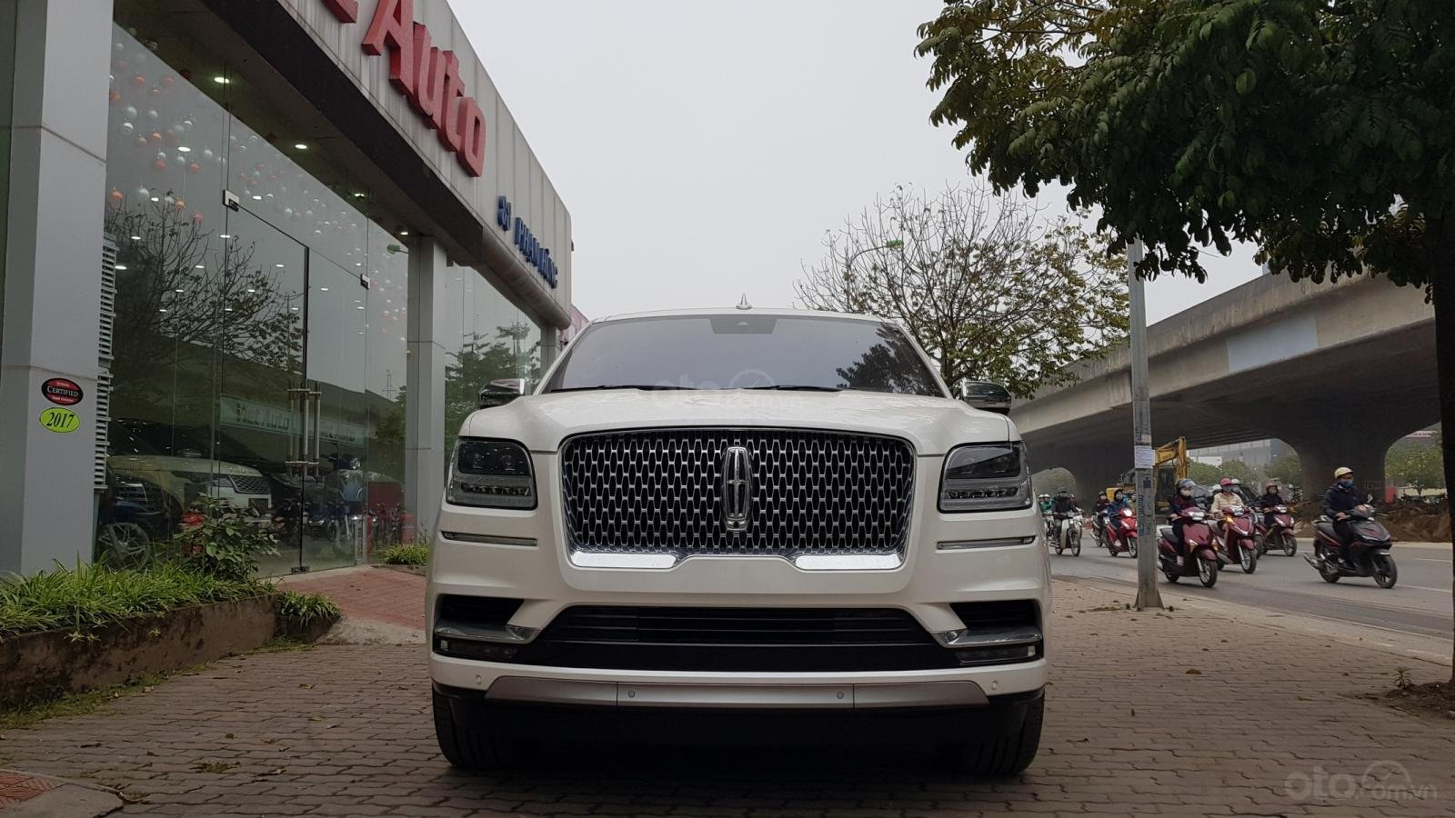 Cần bán xe Lincoln Navigator L Black Label sản xuất năm 2019, màu trắng, nhập khẩu nguyên chiếc-0
