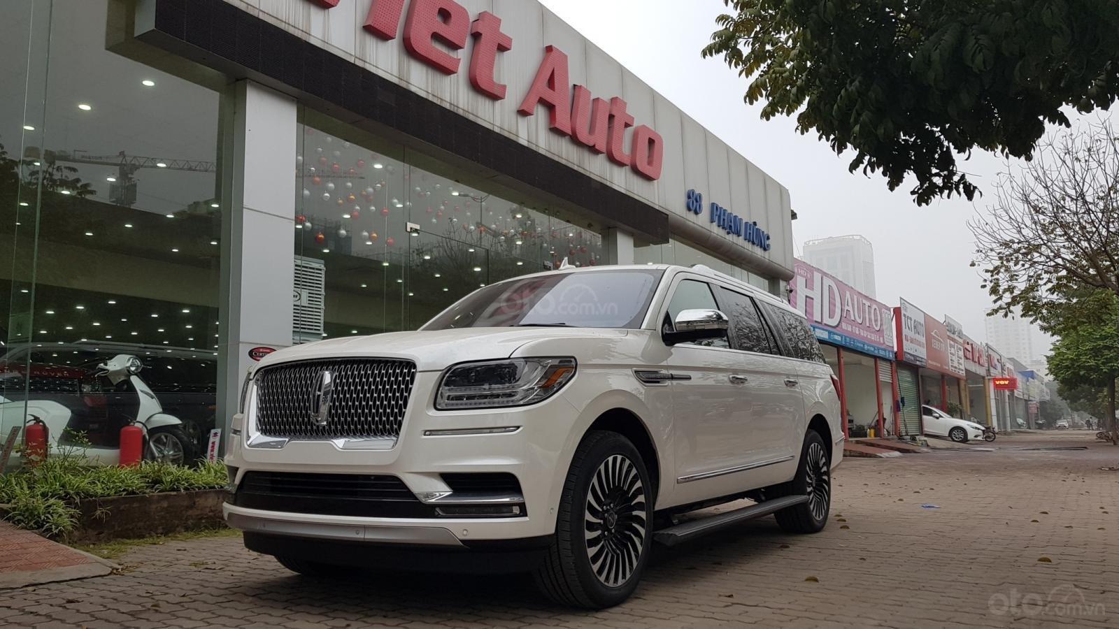 Cần bán xe Lincoln Navigator L Black Label sản xuất năm 2019, màu trắng, nhập khẩu nguyên chiếc (2)