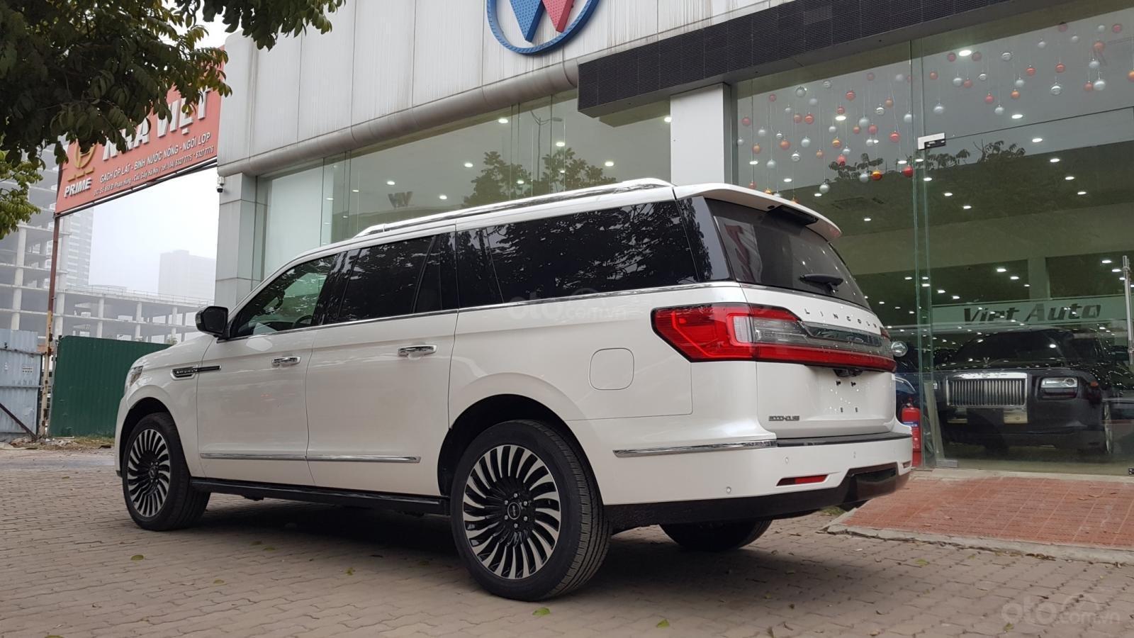 Cần bán xe Lincoln Navigator L Black Label sản xuất năm 2019, màu trắng, nhập khẩu nguyên chiếc-16