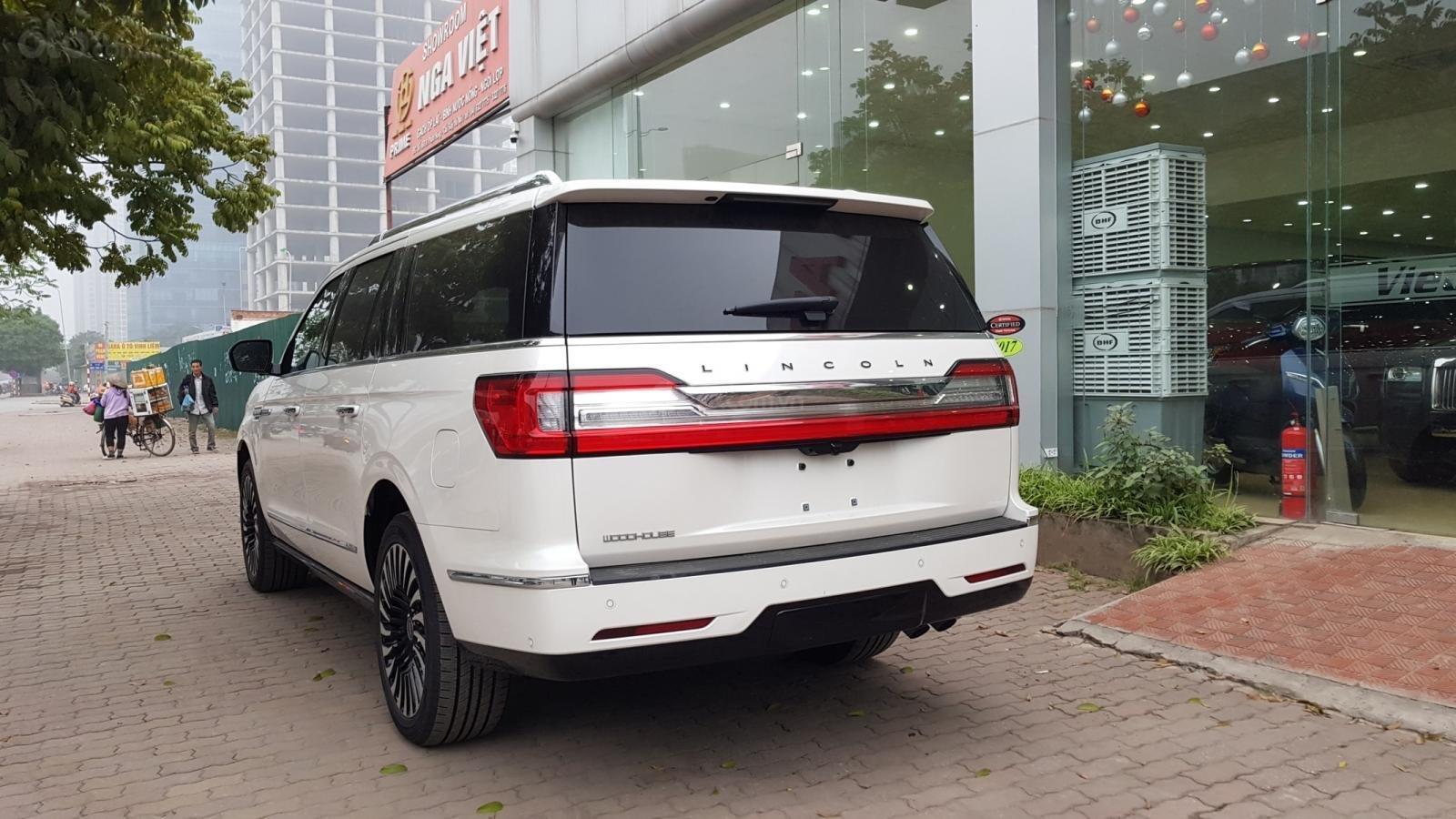 Cần bán xe Lincoln Navigator L Black Label sản xuất năm 2019, màu trắng, nhập khẩu nguyên chiếc (18)