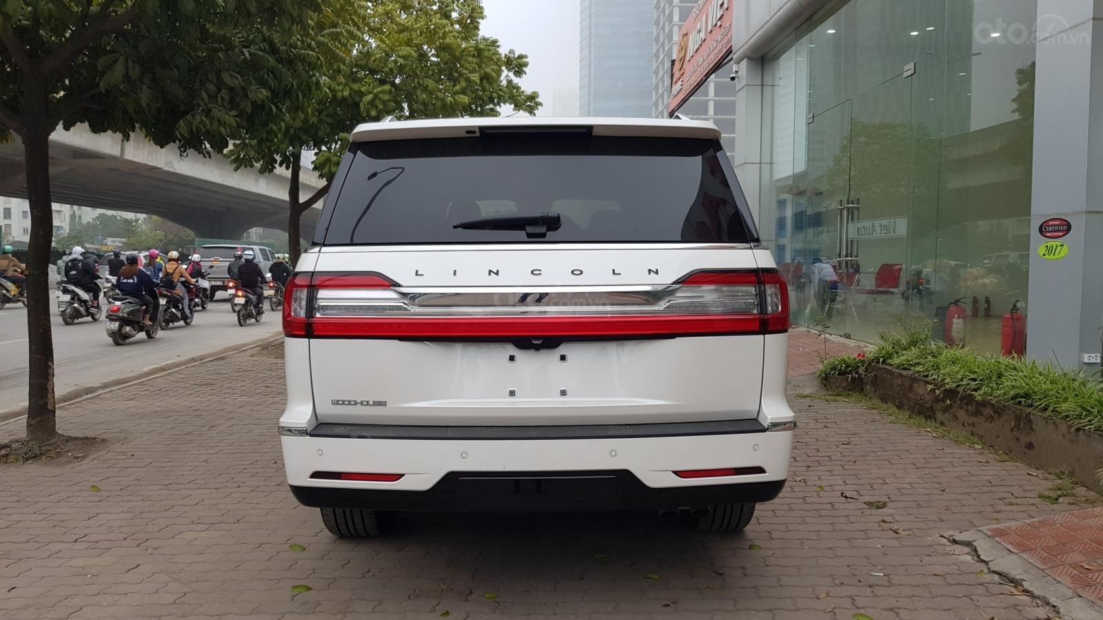 Cần bán xe Lincoln Navigator L Black Label sản xuất năm 2019, màu trắng, nhập khẩu nguyên chiếc (19)