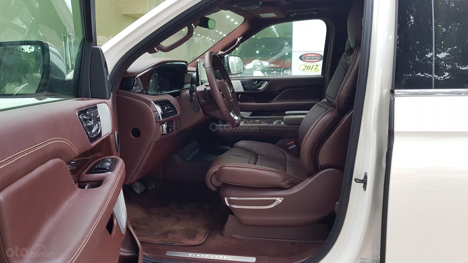 Cần bán xe Lincoln Navigator L Black Label sản xuất năm 2019, màu trắng, nhập khẩu nguyên chiếc-3