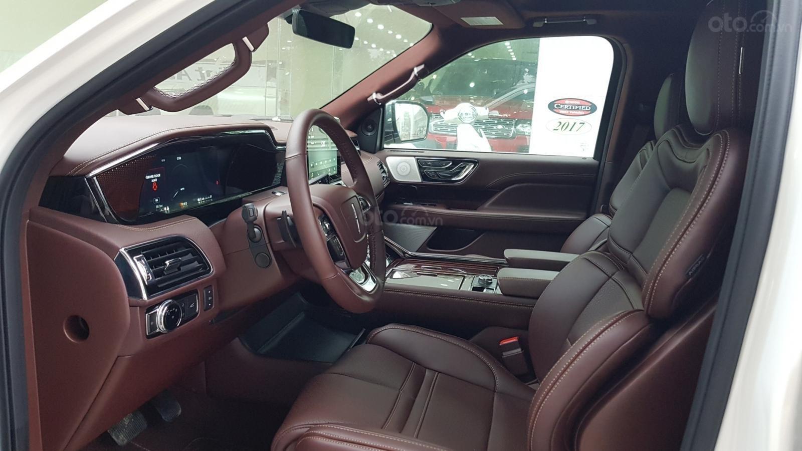 Cần bán xe Lincoln Navigator L Black Label sản xuất năm 2019, màu trắng, nhập khẩu nguyên chiếc (6)