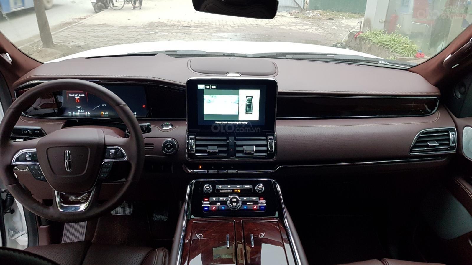 Cần bán xe Lincoln Navigator L Black Label sản xuất năm 2019, màu trắng, nhập khẩu nguyên chiếc (7)