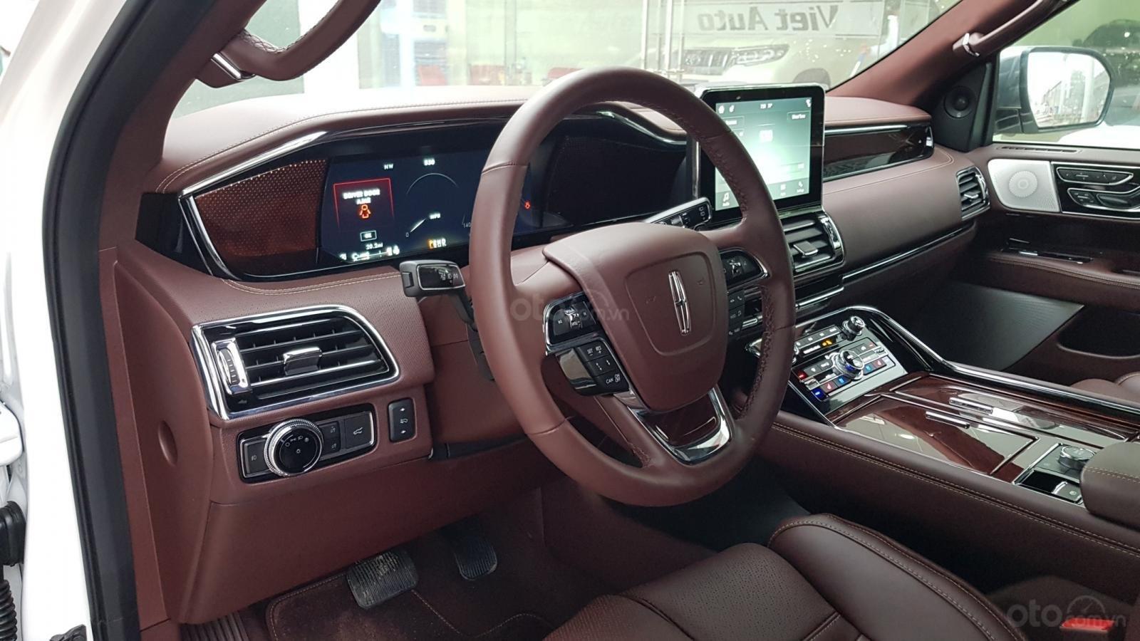 Cần bán xe Lincoln Navigator L Black Label sản xuất năm 2019, màu trắng, nhập khẩu nguyên chiếc (5)